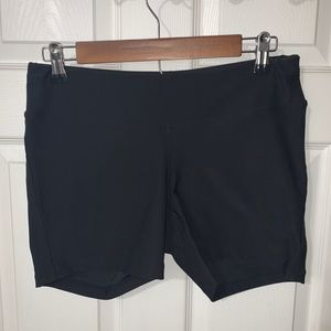 Woman's Lucy active shorts size Medium